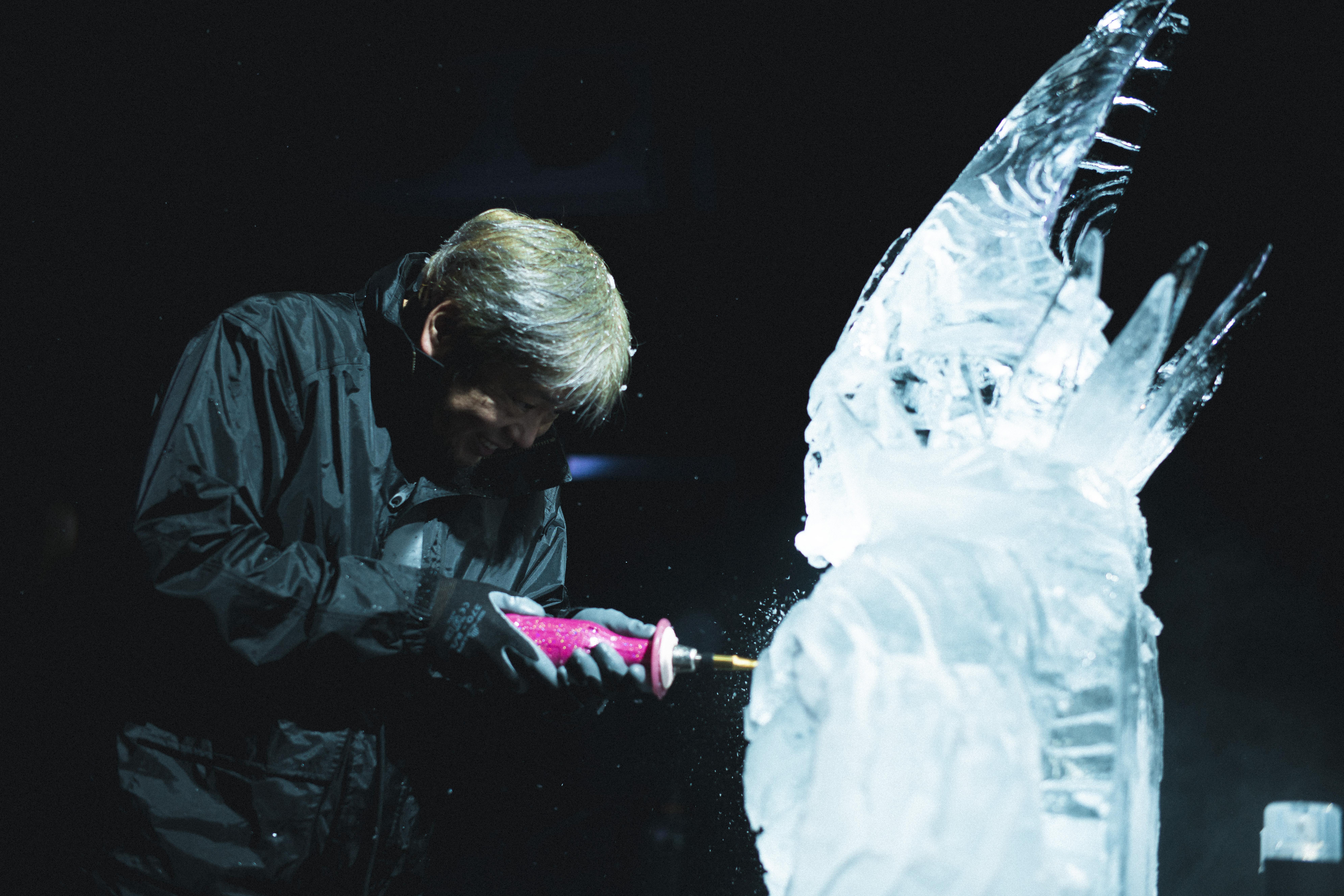 【Destiny 2 光の超越】ゲームに登場する強敵「エラミス」が氷像になって登場!